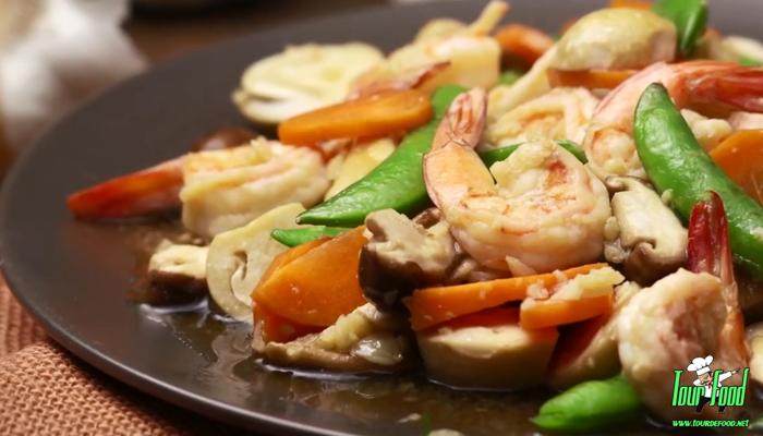 ผัดผักรวมมิตรน้ำมันหอย ยิ่งกินยิ่งอร่อย แถมได้สุขภาพ